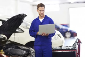 Troubleshooting online to diagnose engine troubles